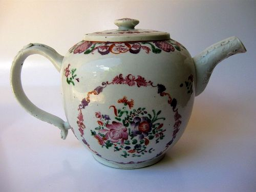Large Chinese Qianlong Period Famille Rose Teapot