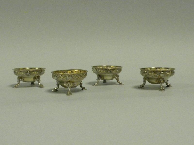 Set of 4 Antique English Sterling Salt Cellars London
