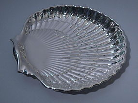 Large Gorham Sterling Silver Scallop Shell Bowl 1965