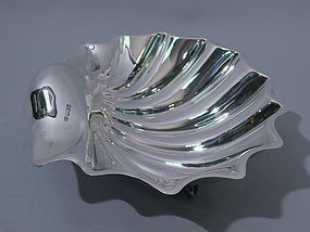 Large English Sterling Silver Scallop Shell Bowl 1913