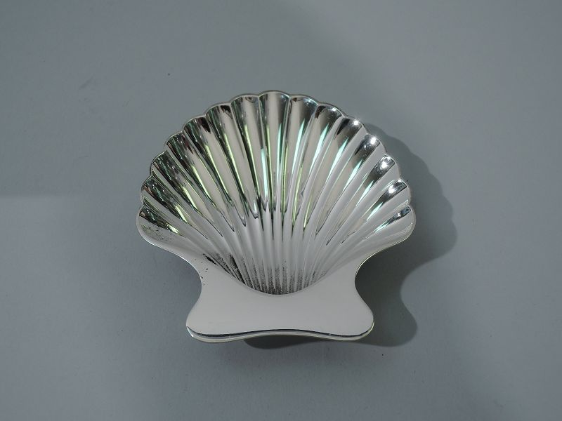 Set of 6 Tiffany Modern Sterling Silver Scallop Shell Nut Dishes