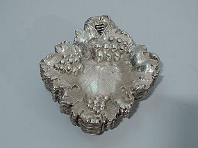 Set of 6 American Sterling Silver Nut Dishes - Grape Leaf C 1900