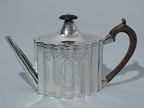 Antique Georgian Sterling Silver Teapot by Hester Bateman 1786