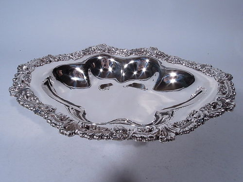 Theodore B. Starr Sumptuous and Unusual Sterling Silver Bowl