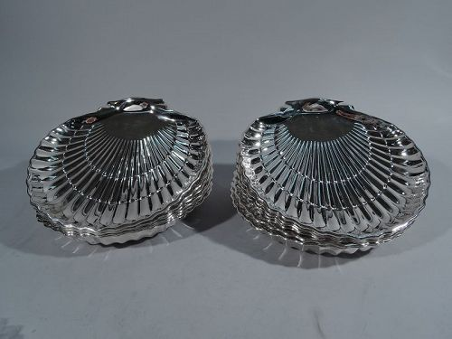 Set of 12 Large Gorham American Sterling Silver Scallop Shells