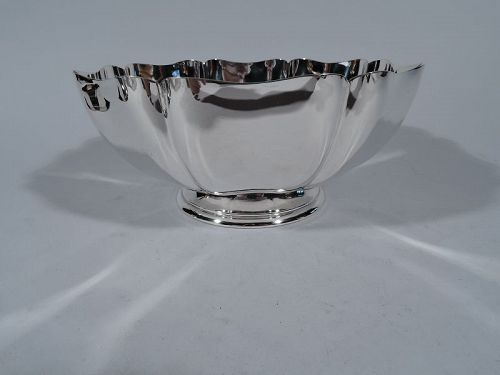 Gorham Sterling Silver Footed Bowl in Standish Pattern 1931