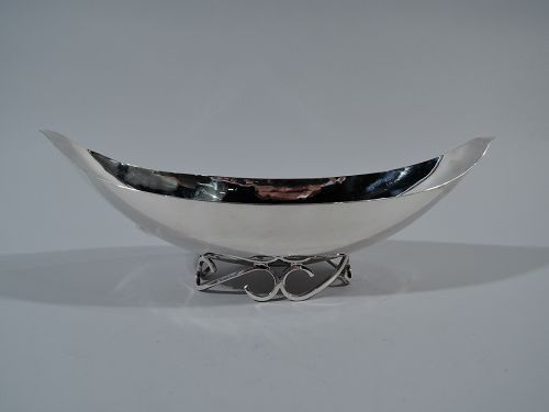 Sciarrotta Hand-Hammmered Sterling Silver Gondola Bowl on Scroll Foot