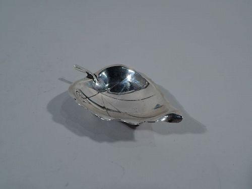 Starter Sciarrotta � Midcentury Modern Sterling Silver Leaf