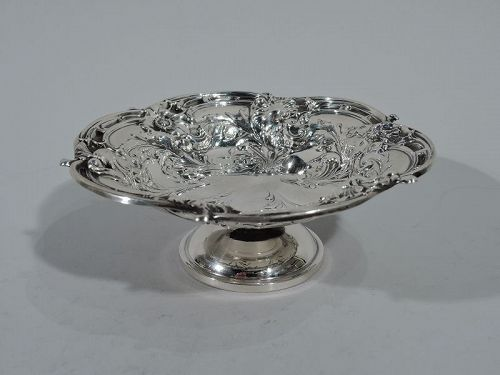 Pretty Art Nouveau Reed & Barton Sterling Silver Footed Bowl