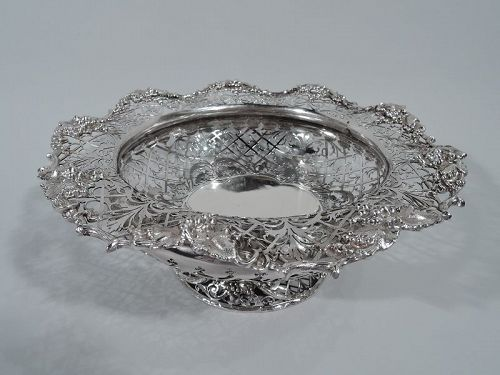 Antique English Sterling Silver Centerpiece Grape Bowl 1911