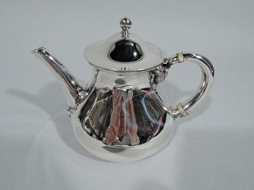 Sweet Tiffany Sterling Silver Teapot in Historic Clover Pattern