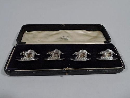Set of 4 Menu Holders with Adorable Otters Gripping Piscine Prey 1914