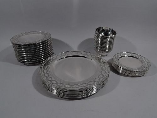 Set of Tiffany Winthrop Sterling Silver Dinner Plates & Bowls
