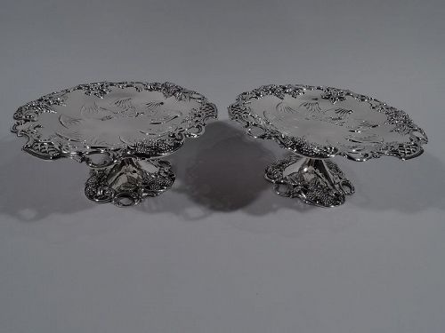 Pair of Tiffany Edwardian Sterling Silver Blackberry Compotes