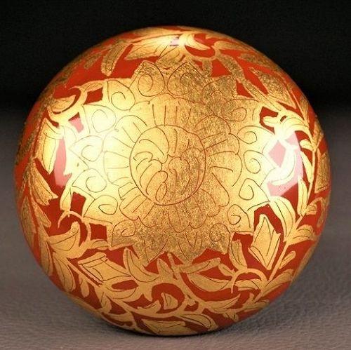 Hakuko Ono Ceramic Gold leaf Kogo Incense box
