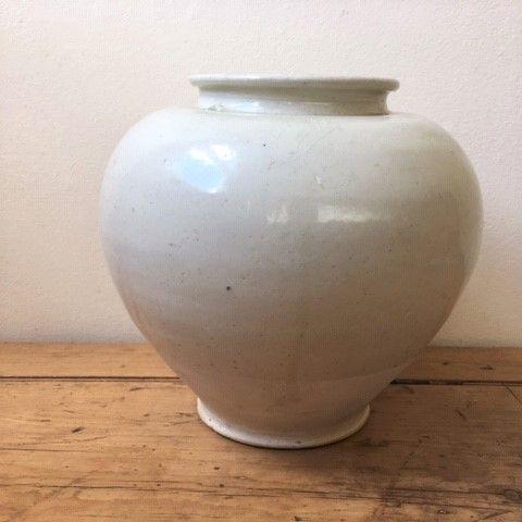 Tang white-glazed jar