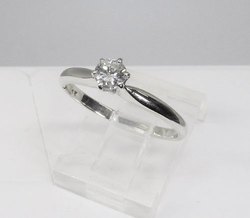 Diamond Solitaire Engagement Ring Set in 14Kt White Gold