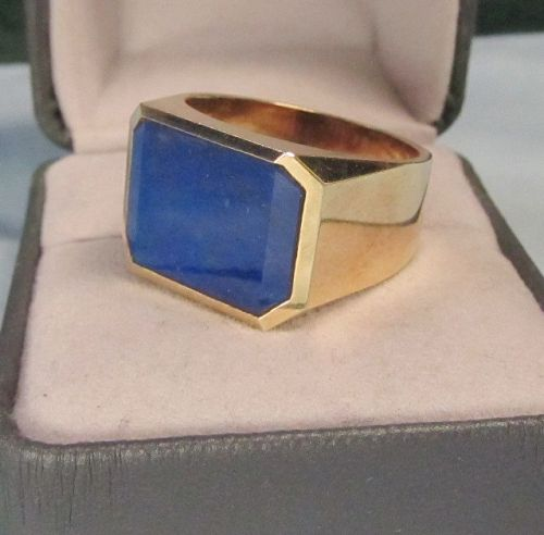 14Kt Gold and Lapis Lazuli Man�s Ring
