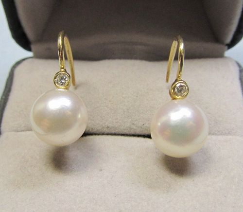 Cultured Pearl and Diamond Earrings Set in 14Kt Gold