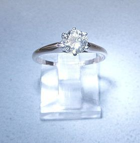 Diamond Solitaire Ring Set in 18Kt & Platinum