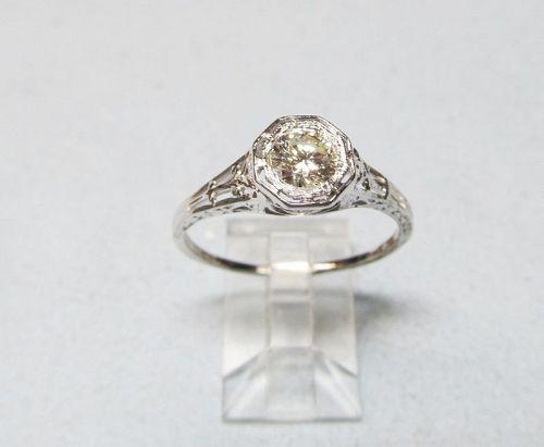 18Kt White Gold Filigree Diamond Ring