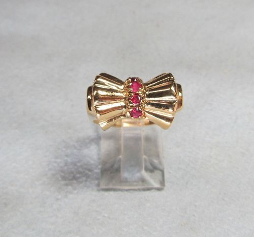 14Kt Gold and Ruby Retro Ring