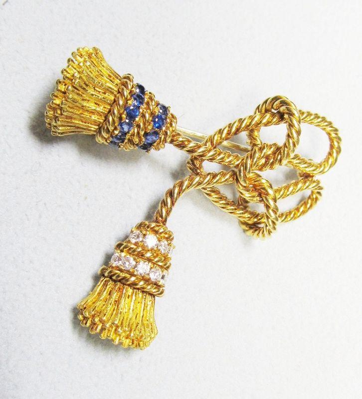 Tiffany 18Kt Gold Signed Tassel Pin