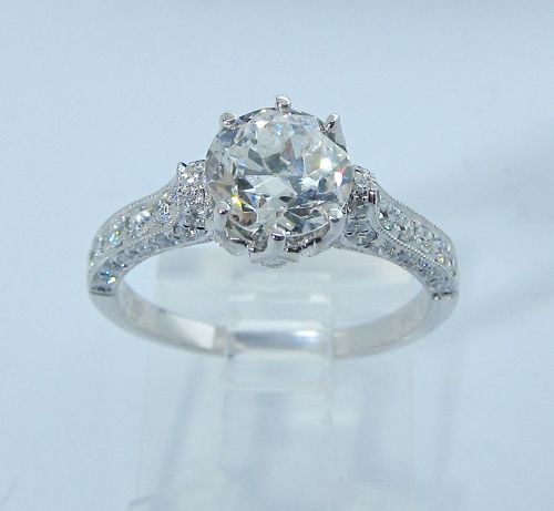 A Beauty of a Diamond Engagement Ring