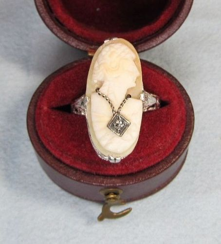 White Gold Filigree Cameo Ring