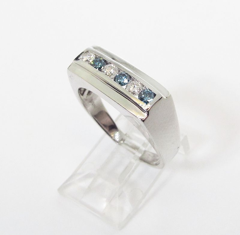 Blue and White Diamond 14Kt Gold Ring