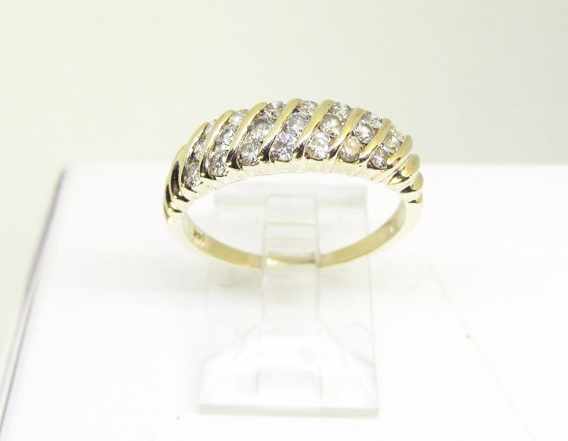 Multi-Diamond Ring Diagonally Channel-set