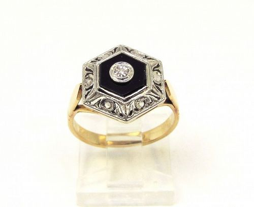 Filigree Top 18Kt Gold Ring with Onyx and Diamonds