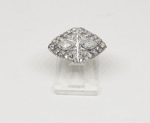 Art Deco Diamond Ring Set in Platinum