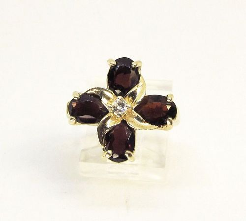 Garnet and Diamond Ring 14Kt Gold