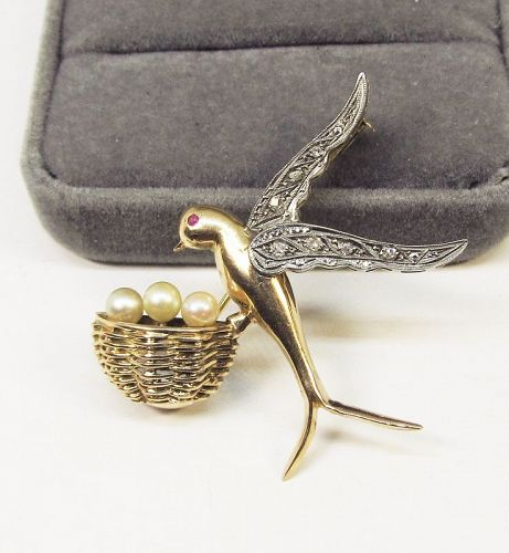 Swallow Broach with Pearls and Rose Diamonds