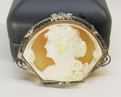 Antique Filigree Shell Cameo Broach/Pendant 14Kt Gold