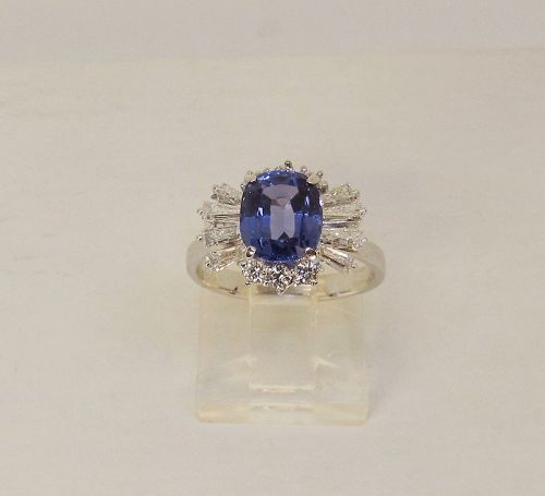 Tanzanite and Diamond Ring 14Kt Gold