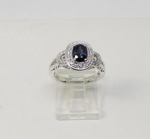 Sapphire and Diamond Ring 18Kt Gold
