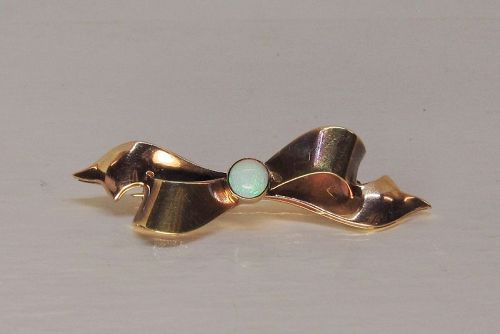 Classic Bow Pin with Bezel Set Opal in the Center 14Kt Gold