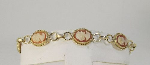 Cameo Bracelet Set in 14Kt Yellow Gold