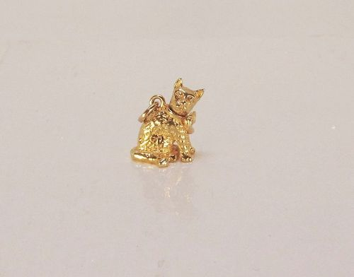 Cat Charm/Pendant with Movable Head 14Kt Yellow Gold