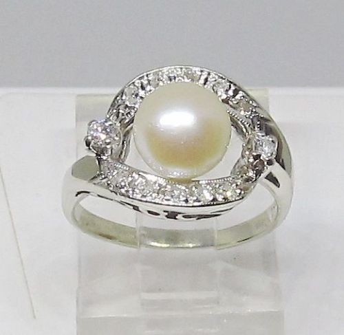 Diamond and Cultured Pearl Ring 14Kt White Gold