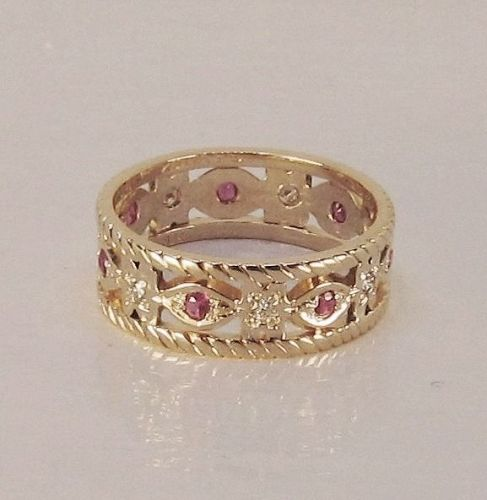 Diamond and Ruby Retro Band 14Kt Gold