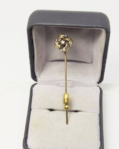 Deco 14 Karat Yellow Gold Stick Pin with Oriental Pearl