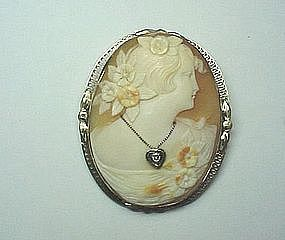 14Kt White Gold Filigree Shell Cameo from the 1920's