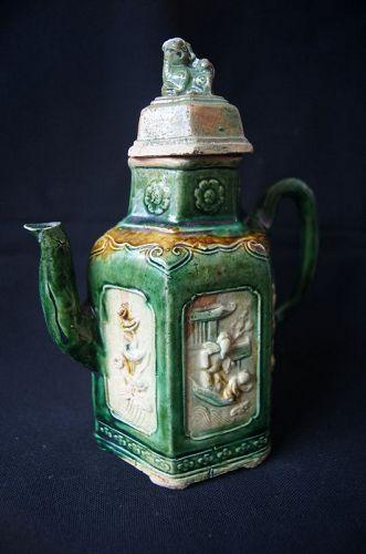 A Chinese Sancai teapot,Ming Dynasty