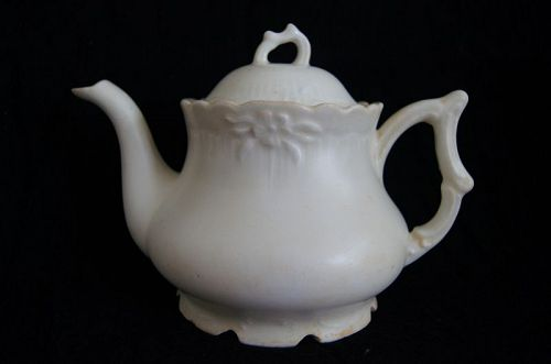 A Chinese Dehua Export Teapot,Qing Dynasty