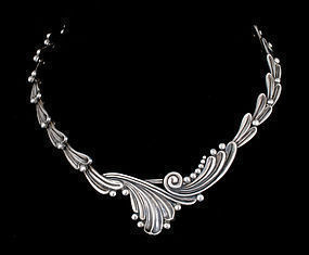 Margot de Taxco Mexican silver Necklace ~ Curling lines 5337