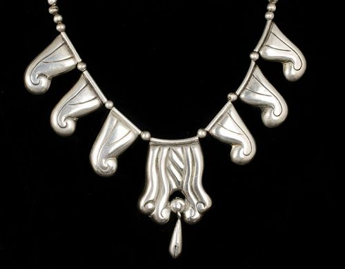 rare early Deco Mexican silver repousse Necklace with cascabela