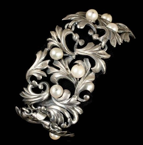 late Art Deco 800 silver and pearl foliate Bracelet
